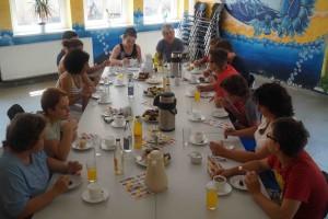 Gespraech mit Frau Wehbi r in Foerderschule Saalfeld - 1-  Juni 2015 DSC03616